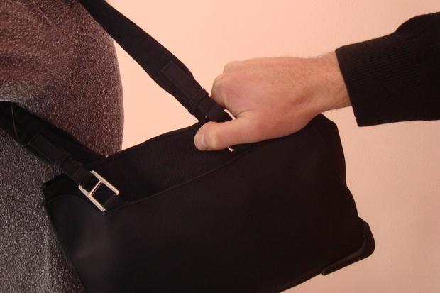 кражба на чанта