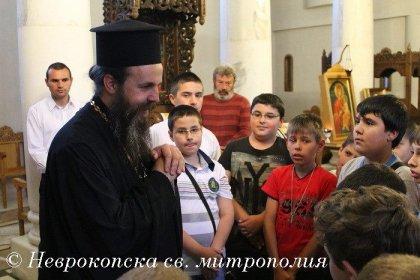митрополит Серафим с лагерници