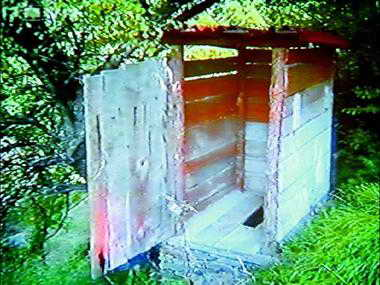 Златният дървен кенеф на Башев построен с за 13500 евро!